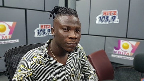 Stonebwoy and Samini had to fight themselves before concluding to surprise Shatta Wale on Reign Album Launch – Stonebwoy reveals
