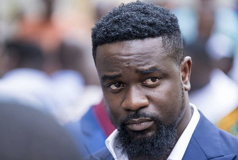 "Sarkodie wins ""Artist Of The Decade"" for #VGMA19"
